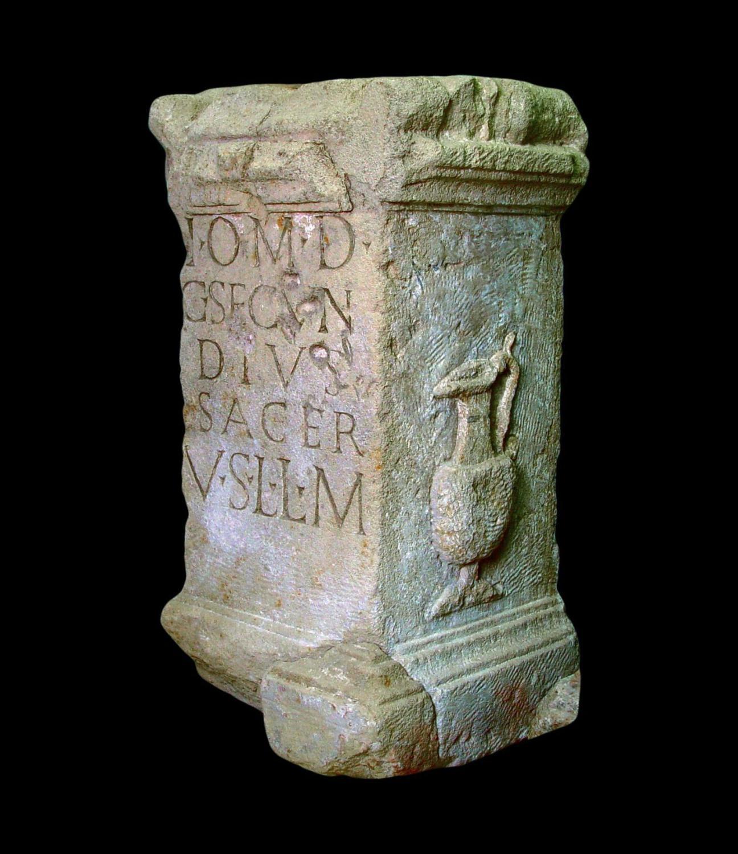 Altar für Jupiter Optimus Maximus Dolichenus