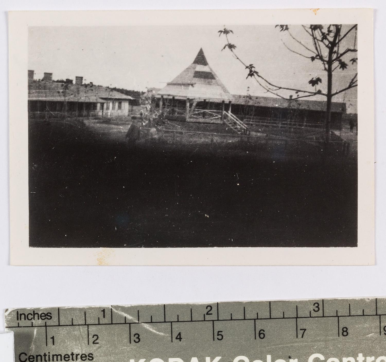 """Fotografie: Serie """"Erste nach St. Etienne gelangte Fotos des Lagers"""""""