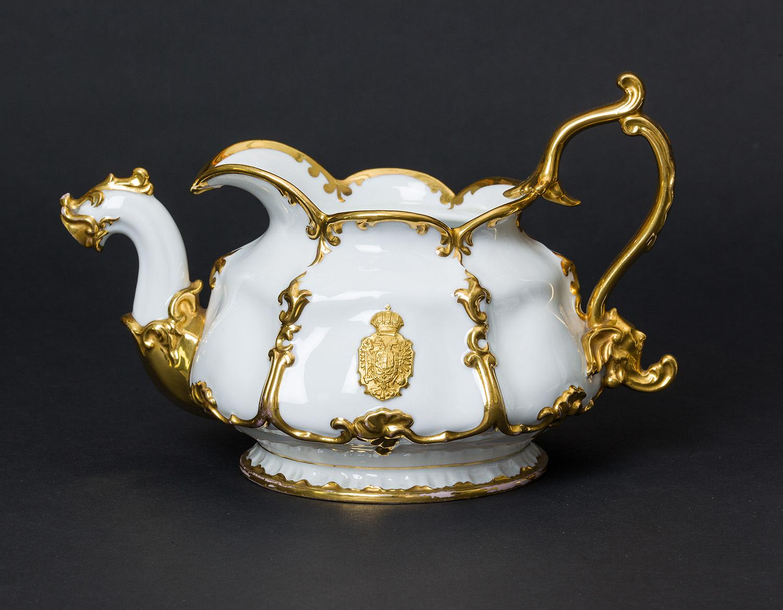 Kaiser Ferdinand / Kaiser Franz Joseph I. und Kaiserin Elisabeth - Kaiserliches weiß-goldenes Service. Große Teekanne