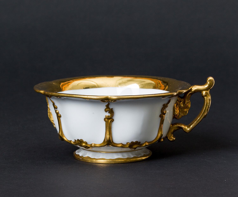 Kaiser Ferdinand / Kaiser Franz Joseph I. und Kaiserin Elisabeth - Kaiserliches weiß-goldenes Service. Teetasse