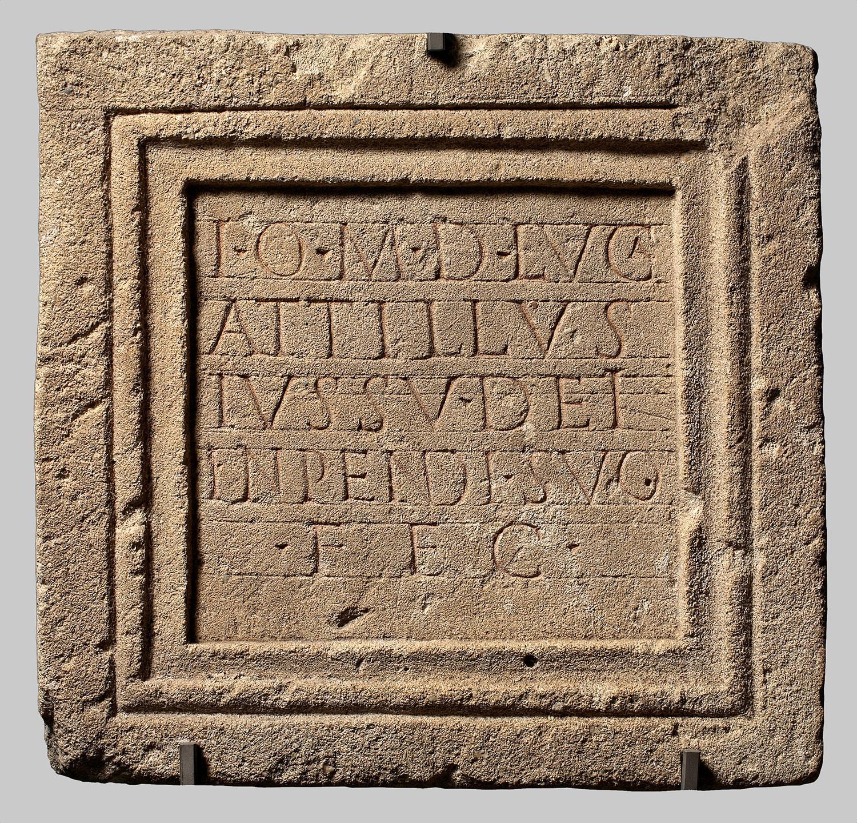 Bau- bzw. Weihinschrift für Jupiter Optimus Maximus Dolichenus